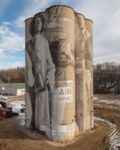 example of artwork by Guido van Helten